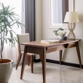 VASSA PACKAGE WITH STEELCASE CHAIR A
