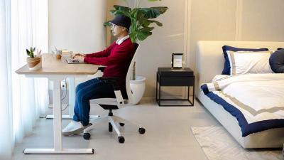 Rekomendasi Meja & Kursi Kerja Yang Nyaman Agar Tetap Produktif Selama Work From Home